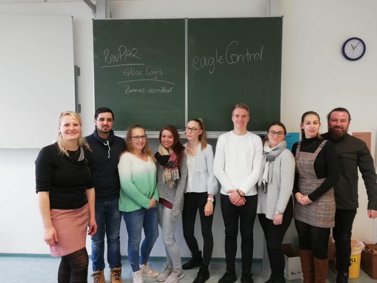 Gruppenbild eagleControl an der Landesberufsschule Tettnang